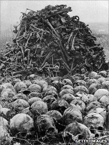 genocide2708_bones_g