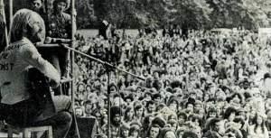 Roy Harperhyde-74-harper-crowd