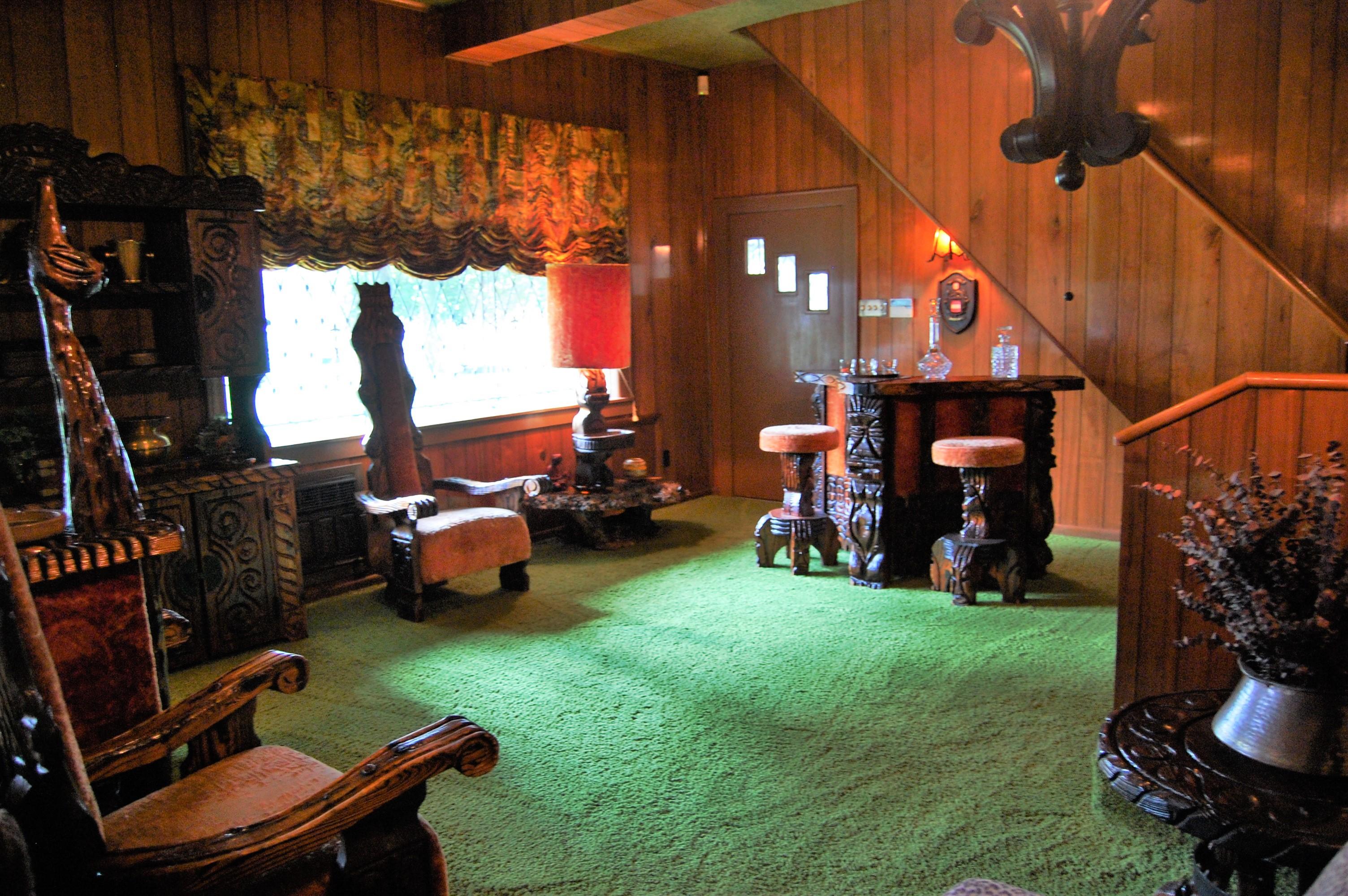 Graceland Jungle Room Furniture